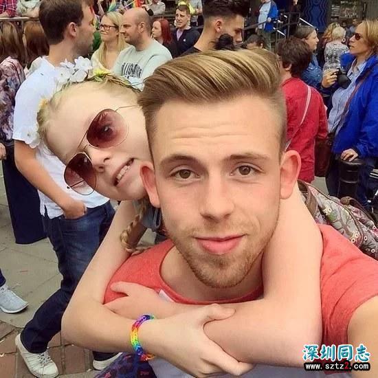 小女孩因哥哥是同性恋被欺负 哥哥怒了然后