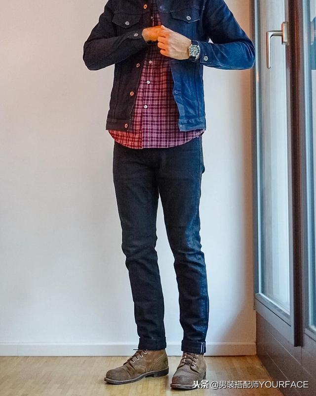 格子衬衫+牛仔裤+工装鞋+复古袜子,这样的工装搭配百看不厌