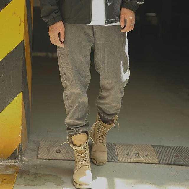 时髦束腿裤,上身效果很有范儿穿出时尚感