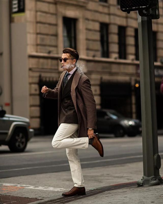能穿好白色裤子的男人,型男魅力势不可挡!