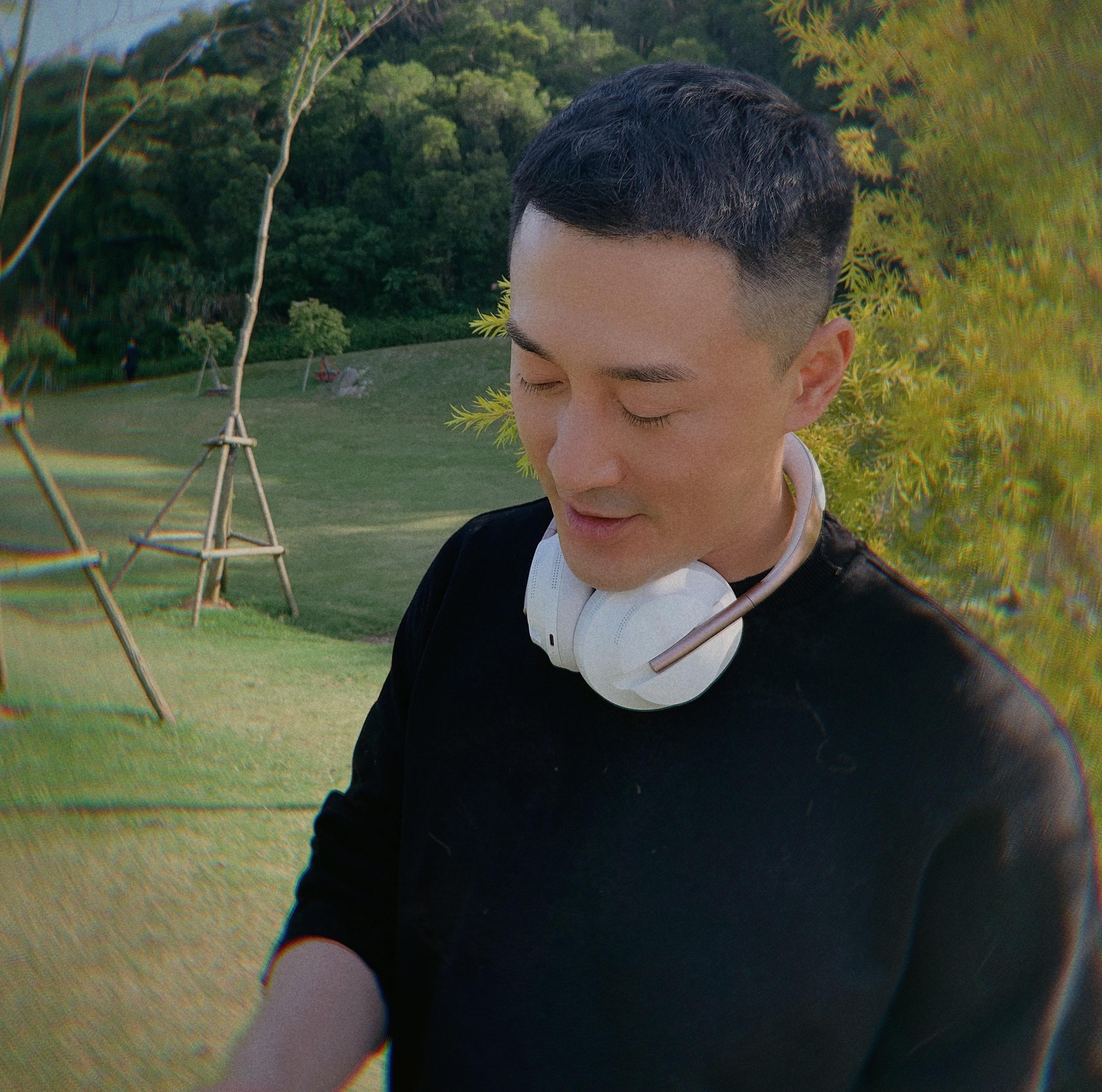 """41岁林峰留""""寸头""""超好看,发型清爽干净利落,帅气不输小鲜肉"""